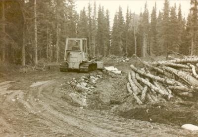 Building new access road to KNLS site. 1982.